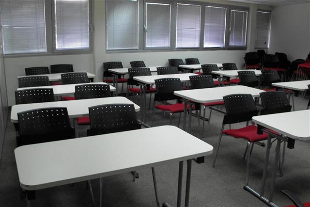 כיתה 103 - 24 מקומות ישיבה
