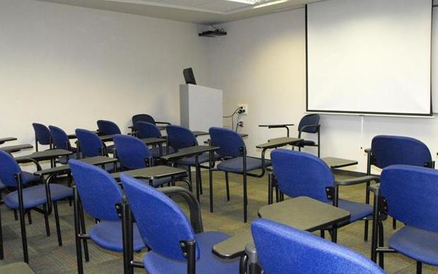 כיתה 401 - 25 מקומות ישיבה