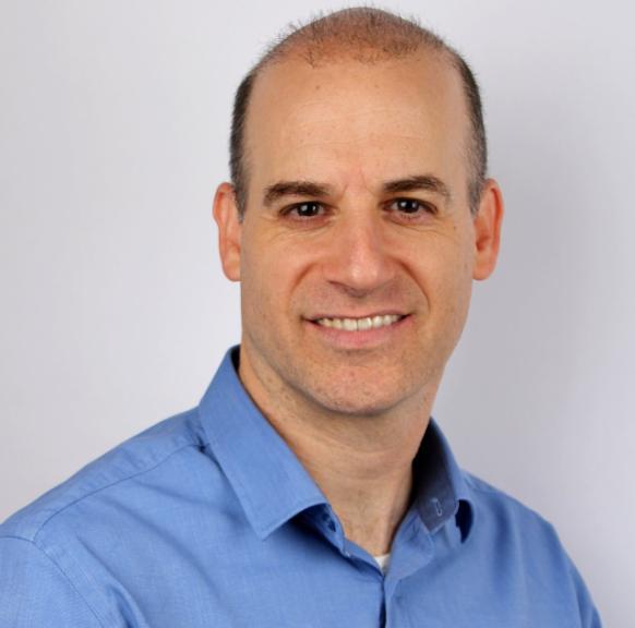 אמיר פליישמן - מרצה בקורס מודיעין עסקי תחרותי