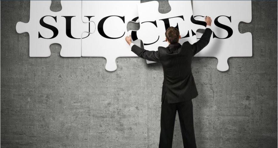 """10 מיומנויות חשובות, שיהפכו אתכם למנהלי תפעול אפקטיביים מאת: לבנת קיזנר – מנכ""""ל המכללה העסקית"""