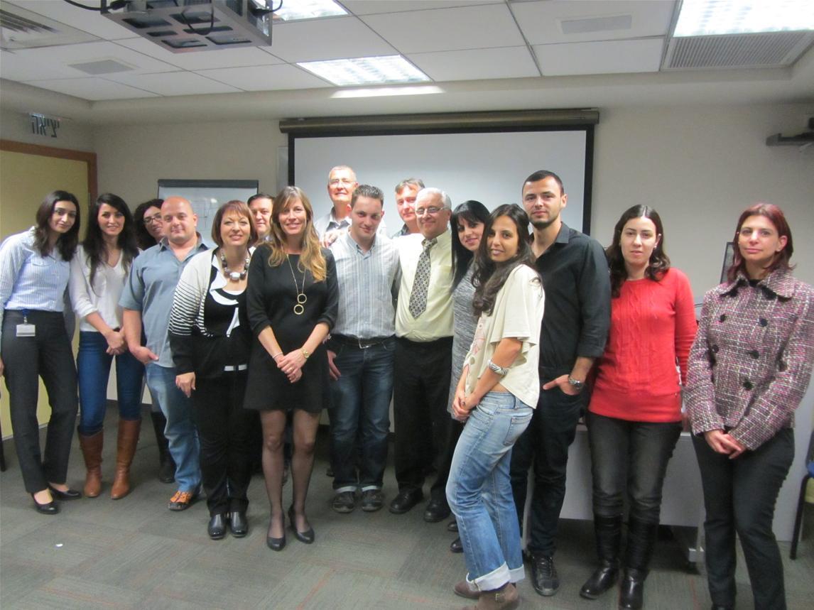 גלרייה - סיום קורס אנגלית עסקית ומסחרית מחזור 18 במכללה העסקית, 19 מתוך 19