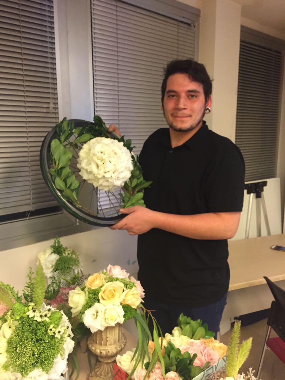 גלרייה - שזירת פרחים - קורס עיצוב ניהול והפקת אירועים מחזור 15, 1 מתוך 22