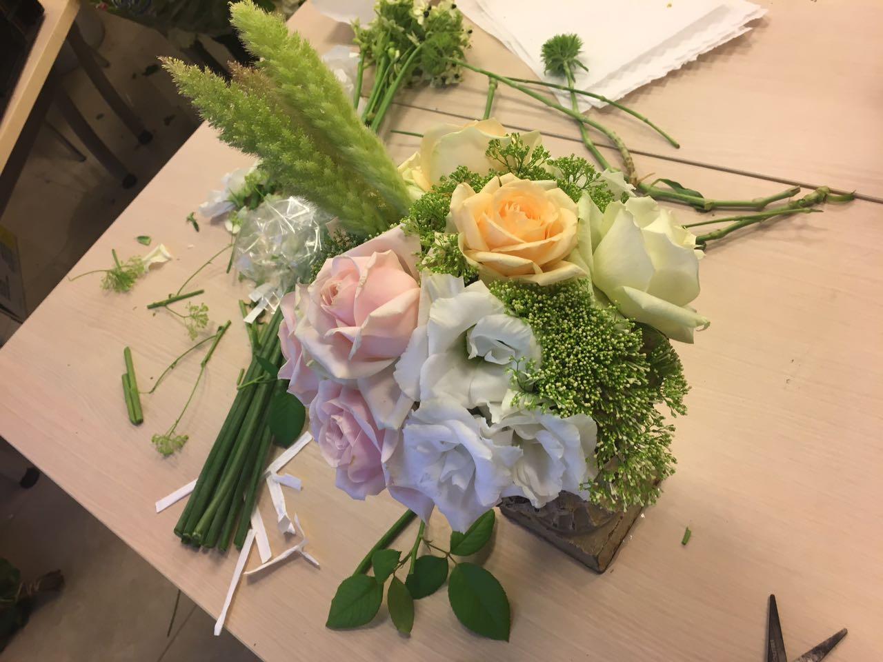 גלרייה - שזירת פרחים - קורס עיצוב ניהול והפקת אירועים מחזור 15, 10 מתוך 22