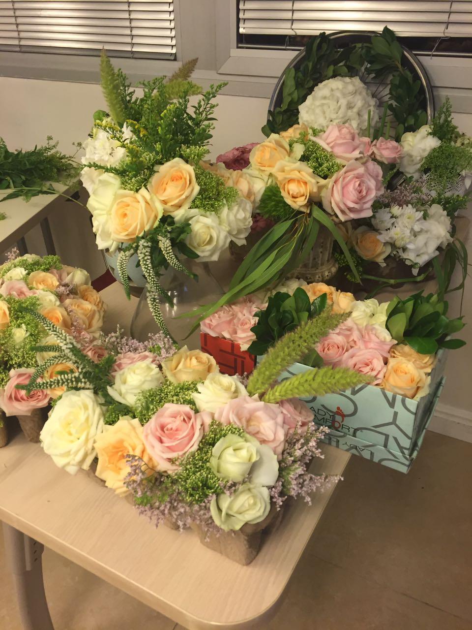 גלרייה - שזירת פרחים - קורס עיצוב ניהול והפקת אירועים מחזור 15, 16 מתוך 22