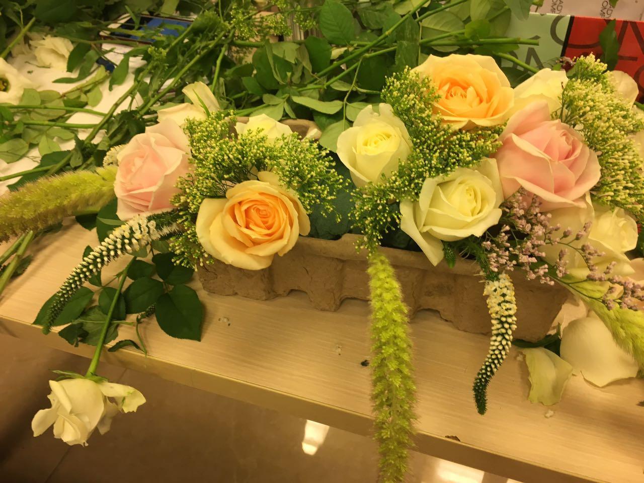 גלרייה - שזירת פרחים - קורס עיצוב ניהול והפקת אירועים מחזור 15, 22 מתוך 22