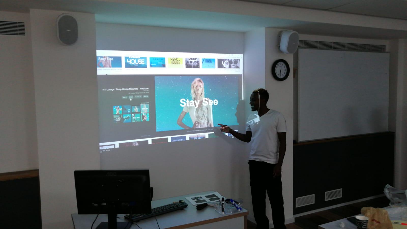 גלרייה -  סיום קורס ניהול לוגיסטיקה ומחסן ממוחשב מחזור 33, 10 מתוך 25
