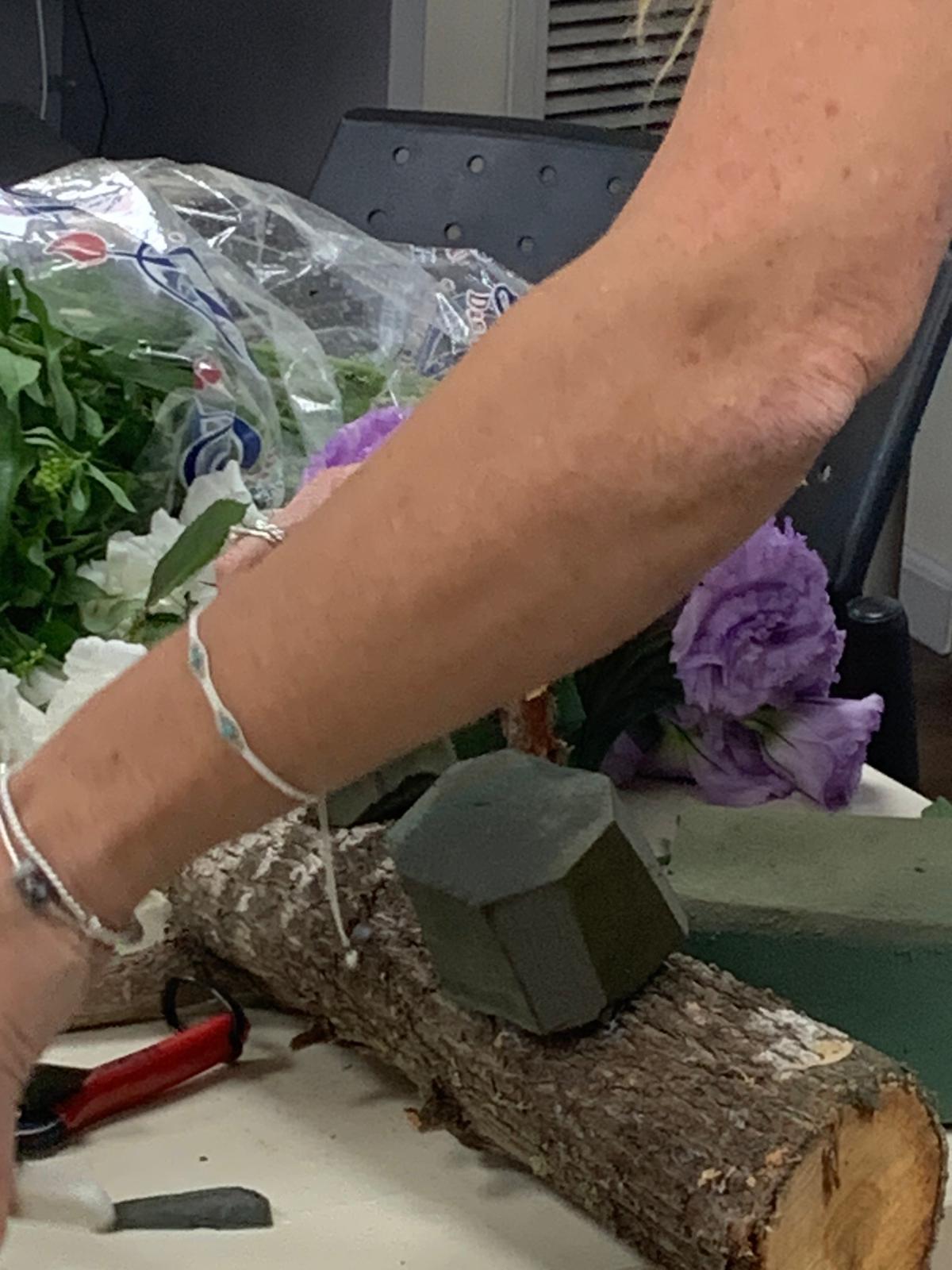 גלרייה - שיעור שזירת פרחים - קורס הפקת אירועים מחזור 24, 1 מתוך 35