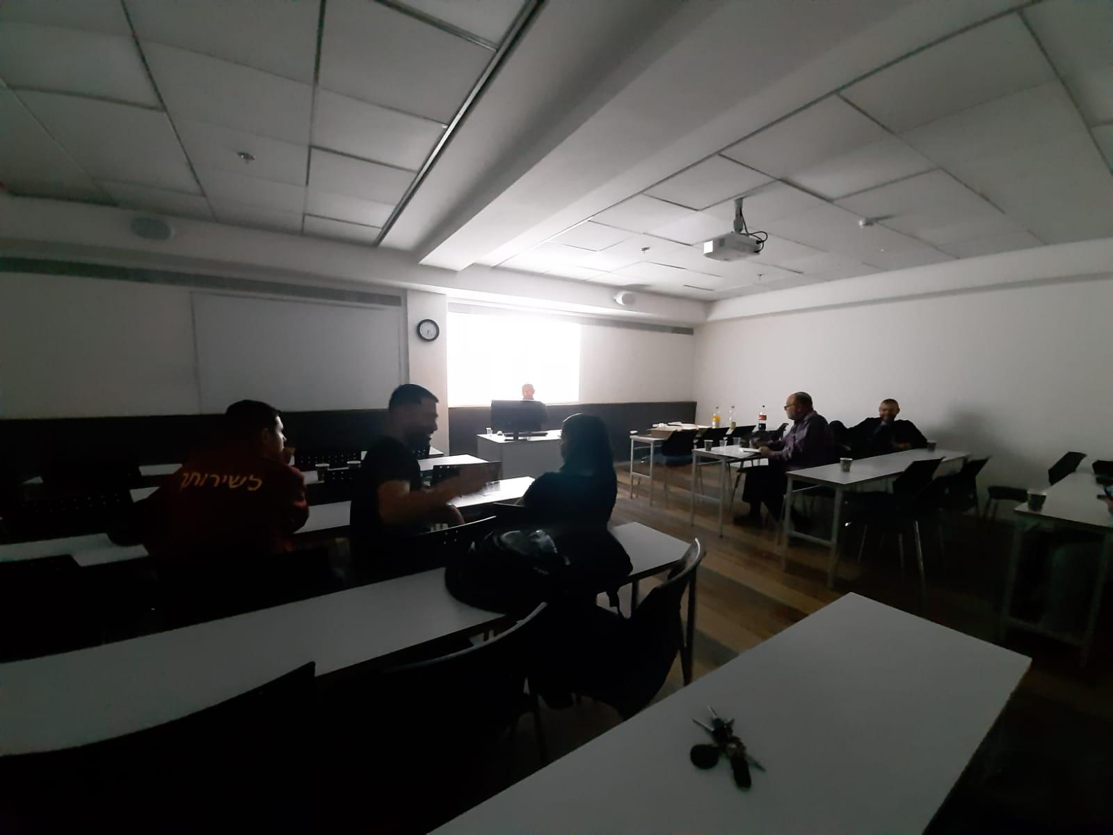 גלרייה - סיום קורס ניהול לוגיסטיקה ומחסן ממוחשב בכיר מחזור 39, 32 מתוך 38